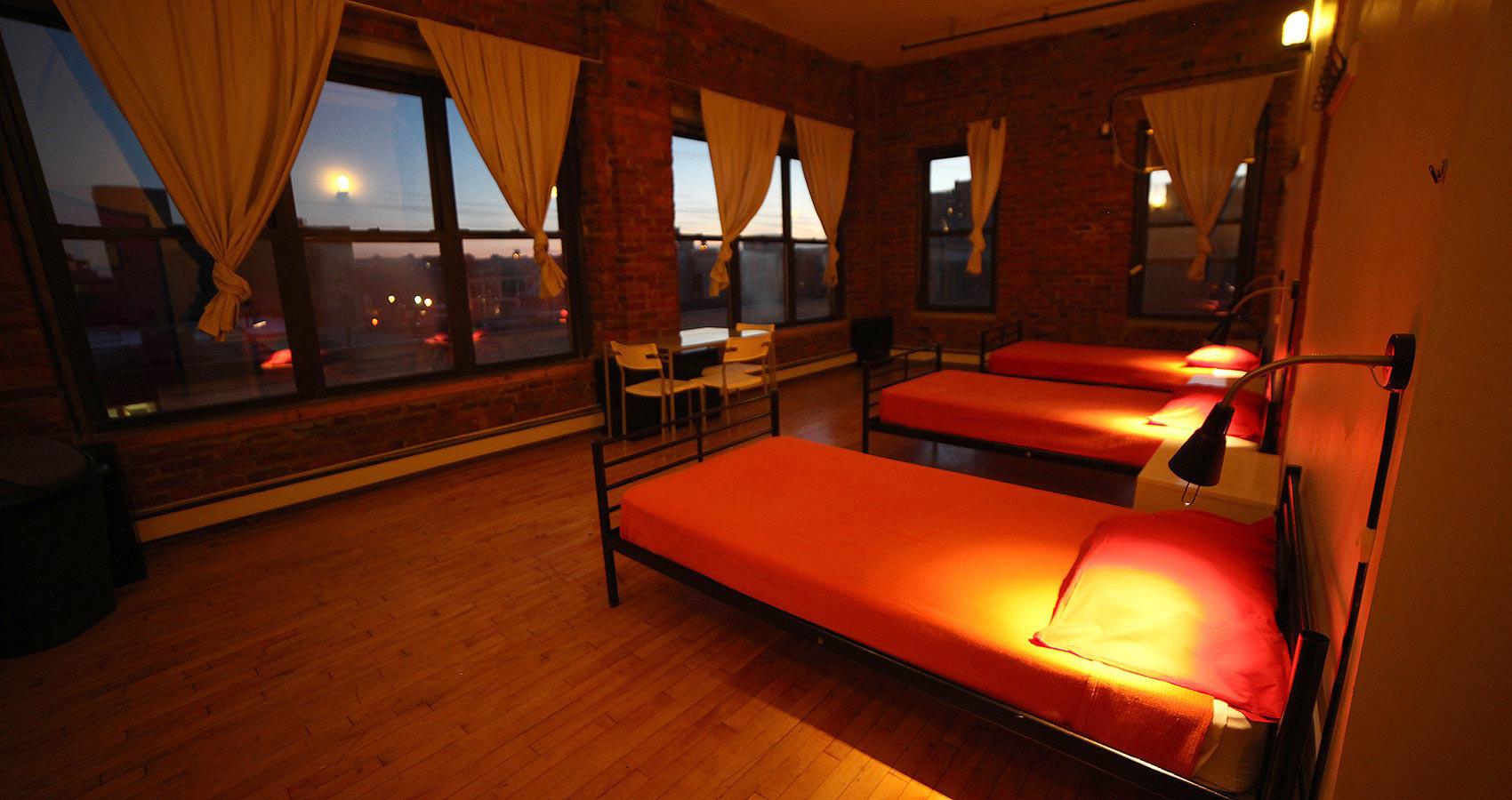 new york loft hostel room