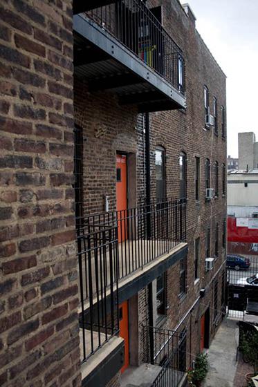 new york loft hostel-federico rozo-signage 13